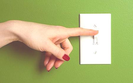 como-ahorrar-energía-con-la-iluminacion-desenchufar