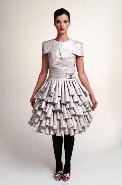 disfraz reciclado periodico