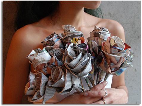 manualidades-para-el-dia-de-la-madre-con-materiales-reciclados-rosas