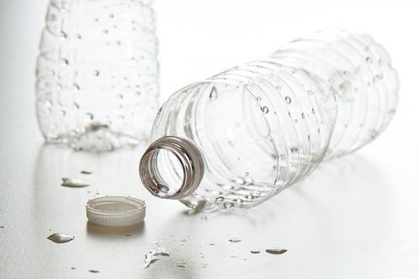 Botella riego por goteo
