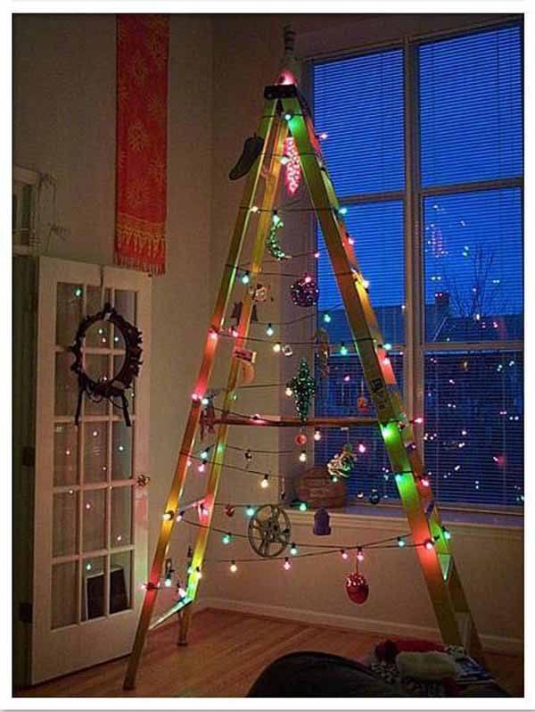 arbol-de-navidad-reciclado-con-escalera