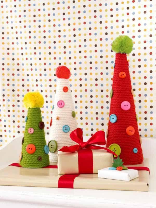 arbol-de-navidad-reciclado-con-hilo-y-botones
