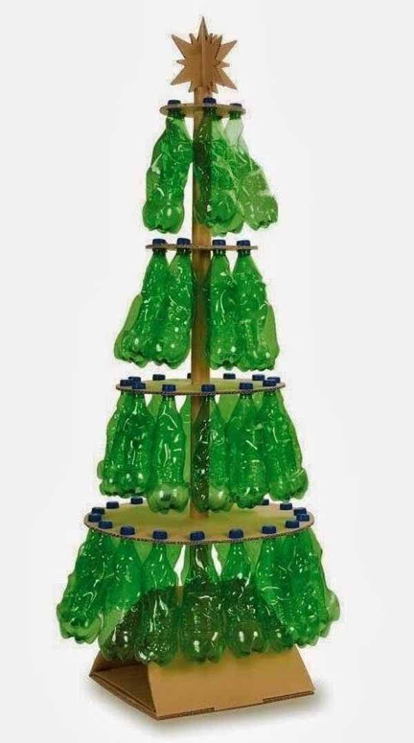 arbol-de-navidad-reciclado-hecho-con-botellas
