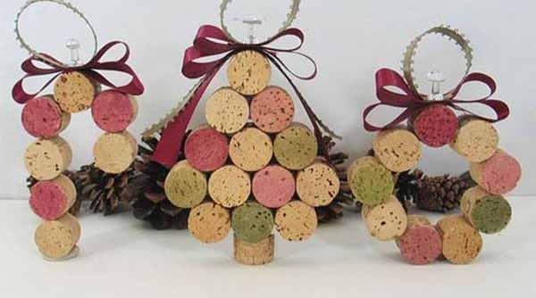 arbol-de-navidad-reciclado-hecho-con-corchos-de-botella