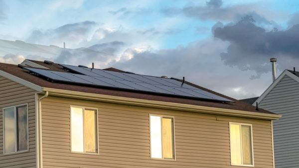 Cómo financiar la instalación de placas solares tejados