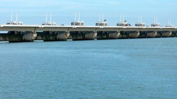 Olas y mareas como fuentes de energia renovable mares
