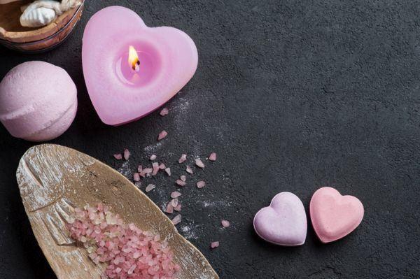 como-hacer-velas-recicladas-san-valentin-istock3