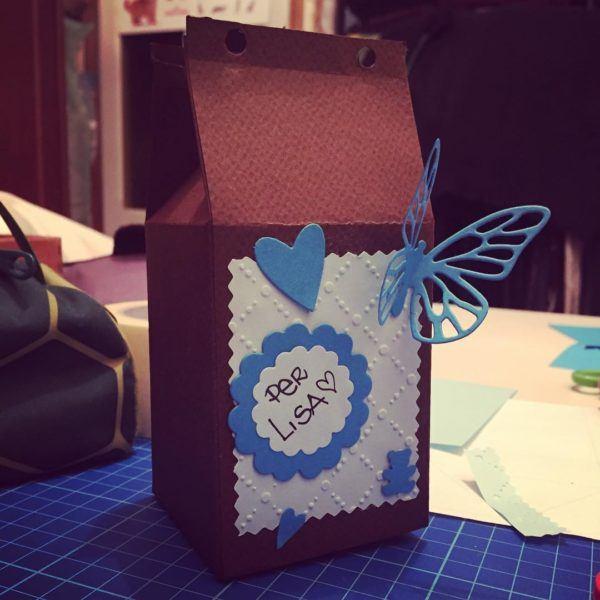 Manualidades recicladas cartones nido caja regalo
