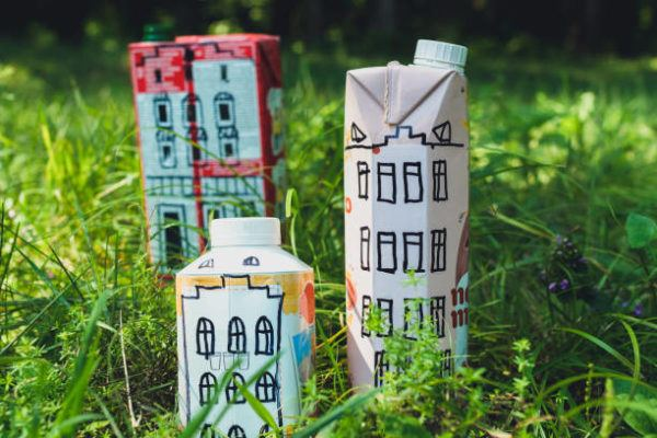 Manualidades recicladas cartones leche edificios