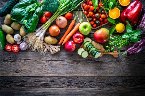 Que frutas y verduras comer en abril calendario de temporada