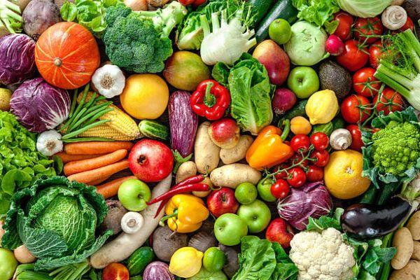 Que frutas y verduras comer en agosto calendario de temporada