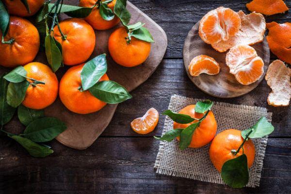 Que frutas y verduras comer en diciembre calendario de temporada clementina