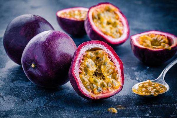 Que frutas y verduras comer en febrero calendario de temporada Maracuyá