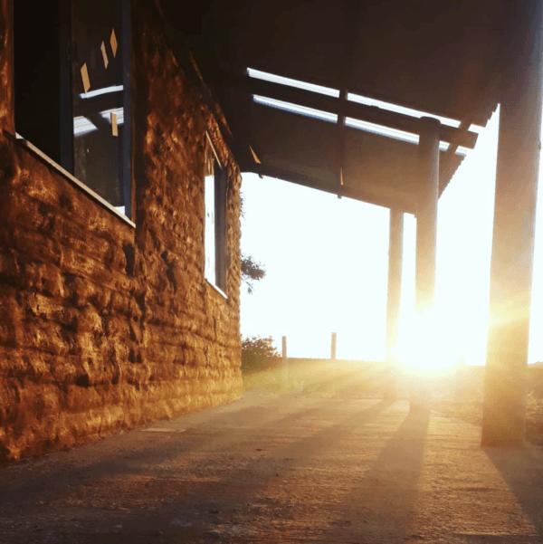 Cómo construir tu propia casa de adobe paso a paso porche