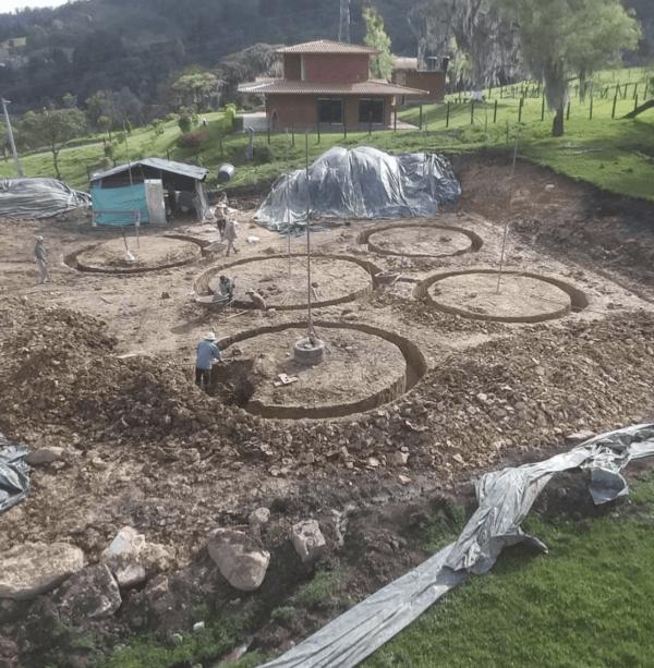 Cómo construir tu propia casa de adobe paso a paso suelo