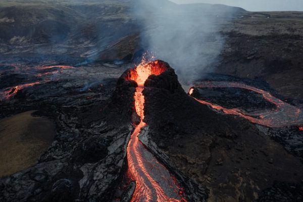 Cómo contribuyen los volcanes al cambio climático co2