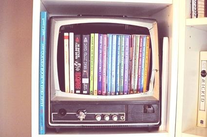 15 formas de reciclar cosas viejas for Como reciclar una mesa de televisor antigua