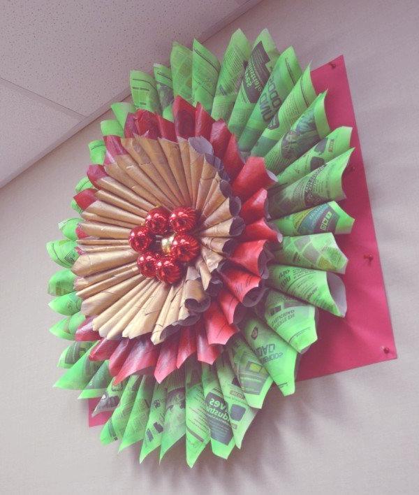 adorno navideño con papel