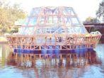 Un Invernadero flotante que se sostiene con el sol y el agua de la lluvia recolectada (Vídeo)