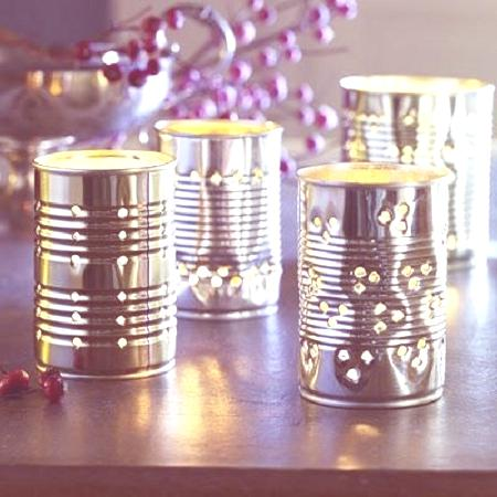 candeleros con latas recicladas