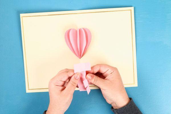 Regalos originales con materiales reciclados para san valentin tarjetas 3d