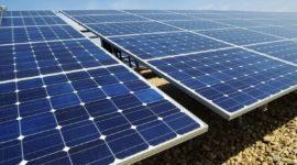 Cómo es y cuánto cuesta el mantenimiento de placas solares