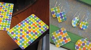 reciclar-cosas-viejas-tarjetas-plastico-pendientes