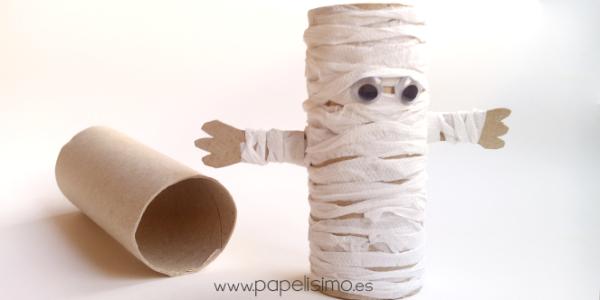 manualidades-de-halloween-con-rollos-de-papel-higienico-momia