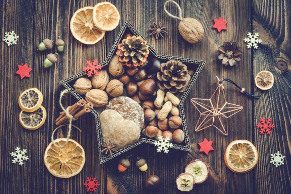 Decoracion navidena con materiales reciclados adornos frutas 2020