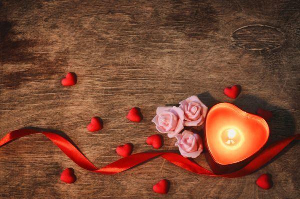 como-hacer-velas-recicladas-san-valentin-istock