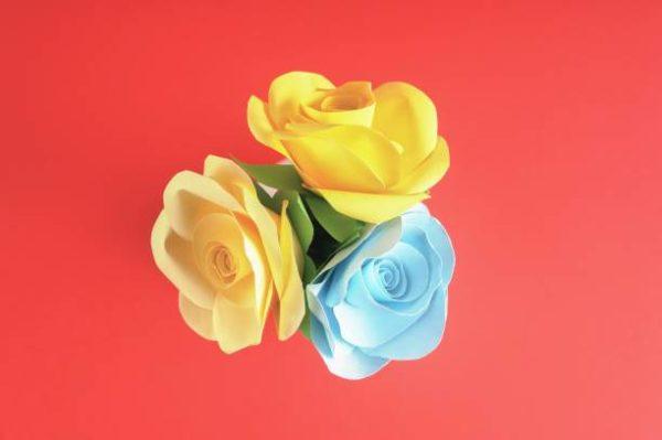 Como hacer las mejores flores de papel con material reciclado papel crepe